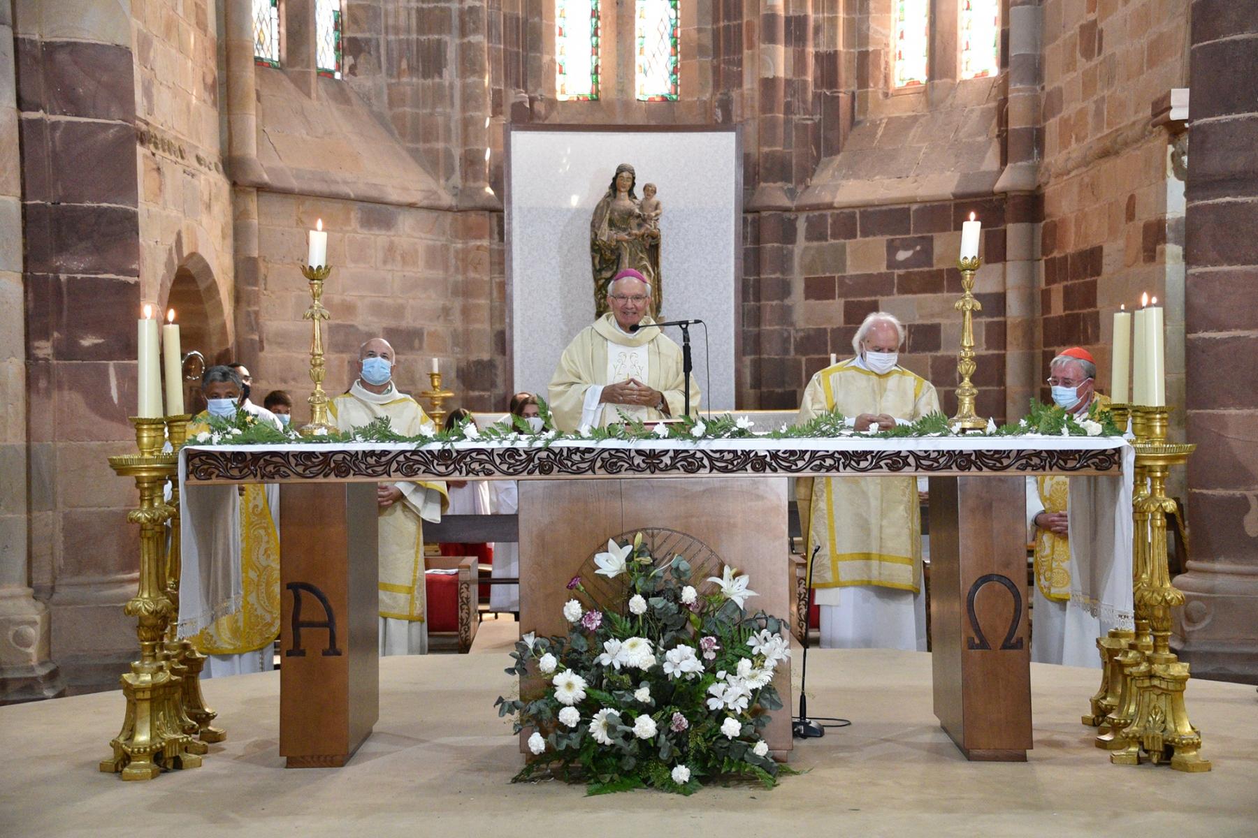 Missa_20_anos_ordenacao_episcopal_d_manuel_quintas-2