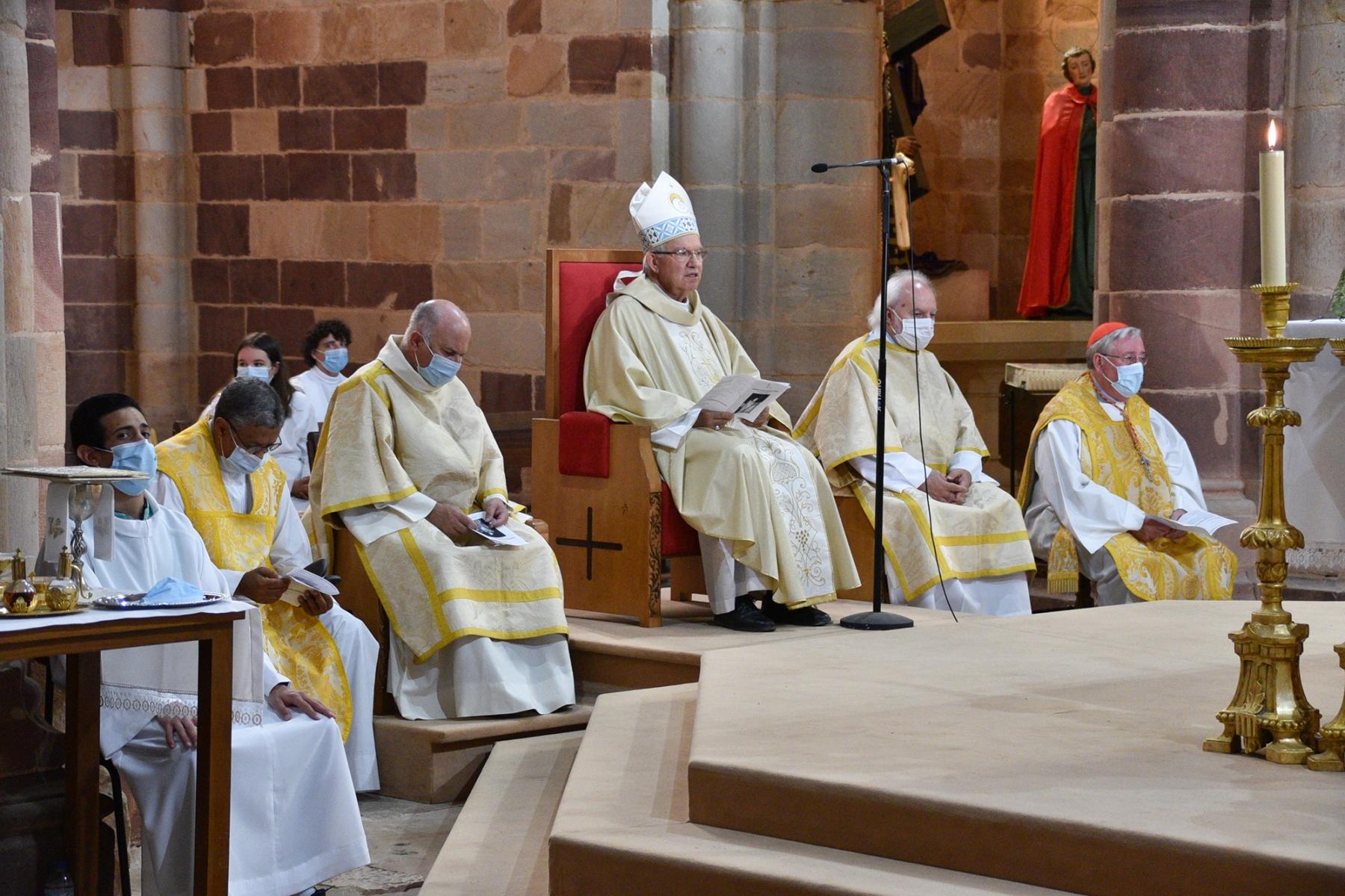Missa_20_anos_ordenacao_episcopal_d_manuel_quintas-7